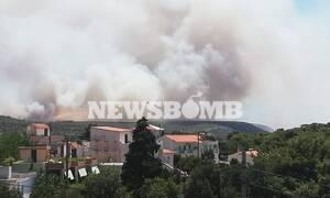 Φωτιά στο Λαύριο: Μεγάλη μάχη με τις φλόγες - Εκκενώθηκαν οικισμοί και κατασκήνωση