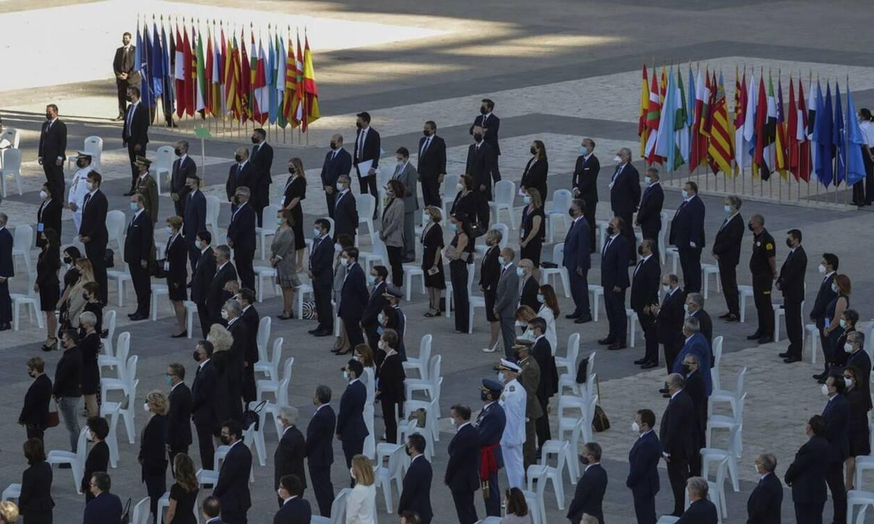 Κορωνοϊός: Η Ισπανία τιμά τους 28.400 νεκρούς της