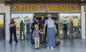 Κορονοϊός: Πού εντοπίζονται τα νέα κρούσματα- Κίνδυνος οι ξένοι τουρίστες- Συναγερμός στην Αττική