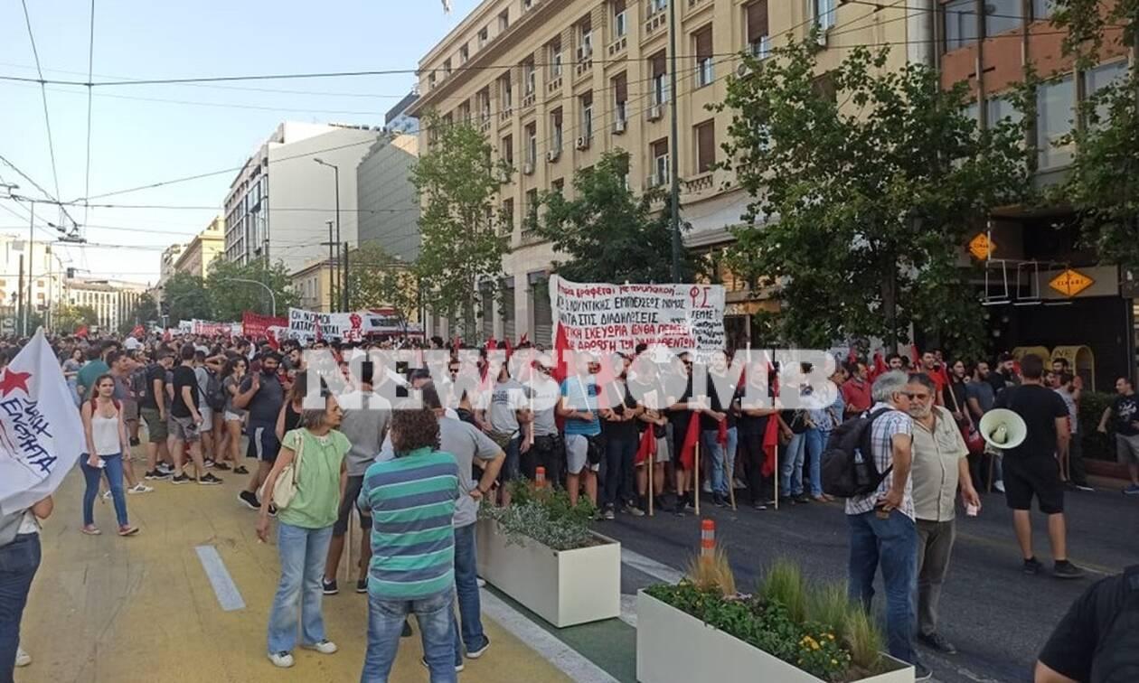 Συγκέντρωση και πορεία στο κέντρο της Αθήνας ενάντια στο νόμο για τις διαδηλώσεις