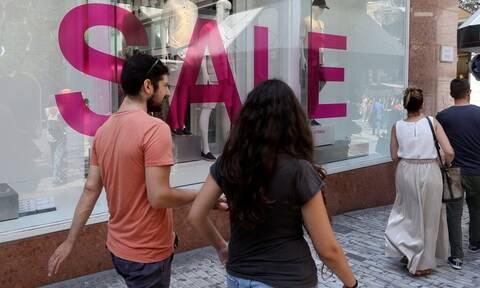 Θερινές εκπτώσεις 2020: Ποια Κυριακή θα είναι ανοιχτά τα μαγαζιά