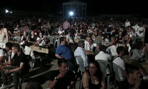 Κορονοϊός: Παρατείνονται τα μέτρα στις παραλίες - Όλα ανοικτά για τα πανηγύρια