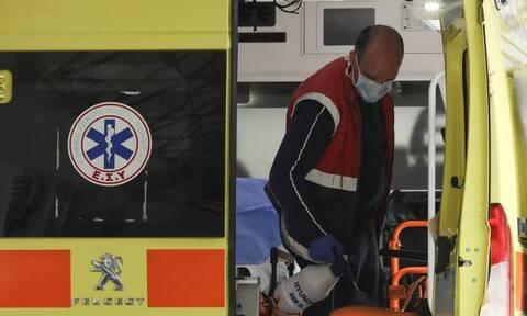 Κοζάνη - Επίθεση με τσεκούρι: Σε μηχανική υποστήριξη τα δύο από τα τρία θύματα