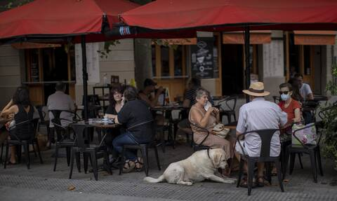 Κορονοϊός - «Πισωγύρισμα» για την Ισπανία: Τέλος σε συναθροίσεις άνω των 10 ατόμων