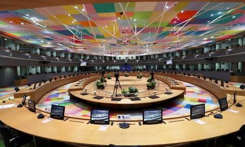 Νέος γύρος σκληρών διαπραγματεύσεων στη Σύνοδο Κορυφής μετά το ολονύχτιο θρίλερ