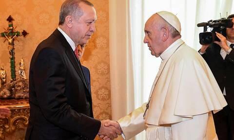 Δεν έχει ιερό και όσιο ο Ερντογάν: Καλεί τον Πάπα στο νέο τζαμί της Αγιά Σοφιάς