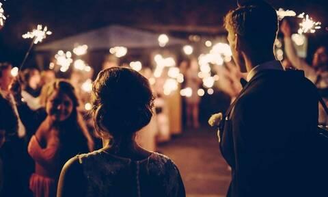 Ζευγάρι έκανε γάμο και ταυτόχρονα κηδεία στην ίδια τελετή (vid)
