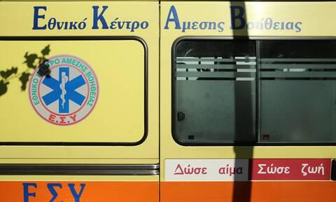 Φθιώτιδα: Έπεσαν με το αυτοκίνητο σε γκρεμό 15 μέτρων - Τρεις τραυματίες (pics)