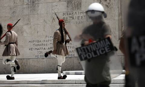 Ανδρέας Χολέβας: Ο ομογενής που όνειρό του ήταν να γίνει εύζωνας