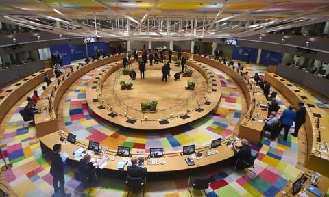 Σύνοδος Κορυφής: Θρίλερ διαπραγματεύσεων, ο εκνευρισμός Μακρόν και η πρόταση-κλειδί