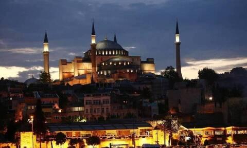 Αγιά Σοφιά: Πρόκληση άνευ προηγουμένου από Τούρκο ιστορικό - «Θα υπάρχουν πόρνες στο τζαμί;»