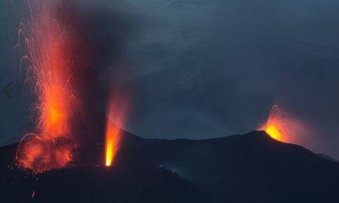 Ιταλία: «Βρυχάται» και πάλι το ηφαίστειο Στρόμπολι - Νέες μεγάλες εκρήξεις