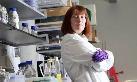Κορονοϊός - Εμβόλιο της Οξφόρδης: Αυτή είναι η Σάρα Γκίλμπερτ που θέλει να νικήσει τον ιό