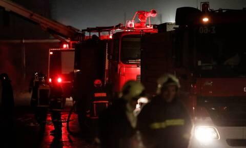 Φωτιά σε νταλίκα στην Αθηνών-Κορίνθου – Κλειστή η Εθνική