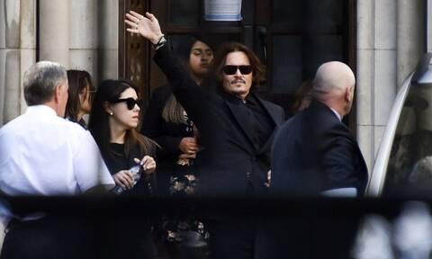 Amber Heard για Johnny Depp: «Με κρατούσε όμηρο»