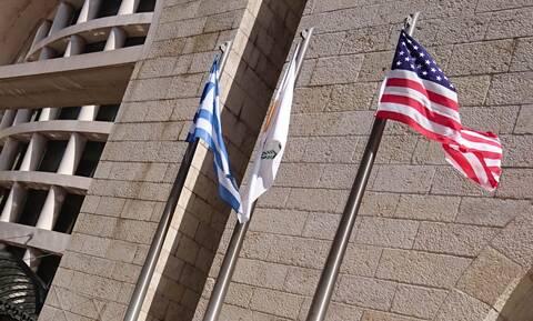 Κύπρος: Συνάντηση υπουργού Άμυνας με την πρέσβειρα των ΗΠΑ - Στο επίκεντρο οι τουρκικές παραβιάσεις