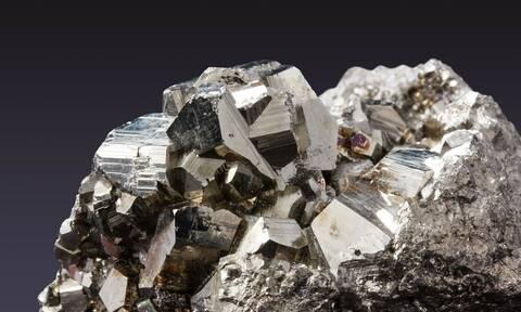 Εσείς, πόσο ορυκτό χρησιμοποιήσατε σήμερα; Από την οδοντόκρεμα έως το τζιν