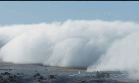«Τσουνάμι» πλημμύρισε τον ουρανό - Το σπάνιο φαινόμενο (vid)