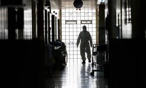 В Греции число жертв коронавируса достигло 200 человек