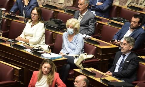 Βουλή Live: H συζήτηση για την παραπομπή Παπαγγελόπουλου