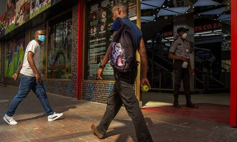Κορονοϊός – Νότια Αφρική: Ρεκόρ 572 θανάτων εξαιτίας της COVID-19 σε 24 ώρες