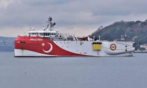 Τουρκικά ΜΜΕ: «O πόλεμος των Navtex» - Drones και F-16 προστατεύουν το Oruc Reis