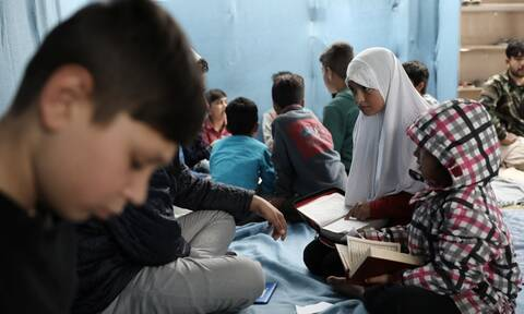 ΕΟΔΥ: Ξεκινούν εμβολιασμοί σε 17 δομές φιλοξενίας προσφύγων-μεταναστών