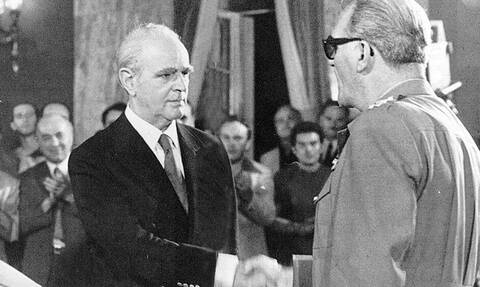 23/7/1974: Η πτώση της χούντας – Η αποκατάσταση της δημοκρατίας από τον Καραμανλή