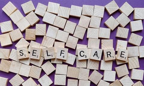 Παγκόσμια Ημέρα Αυτοφροντίδας: ΕΦΕΧ - Αντιμετώπιση ήπιων συμπτωμάτων με τη συμβουλή του φαρμακοποιού