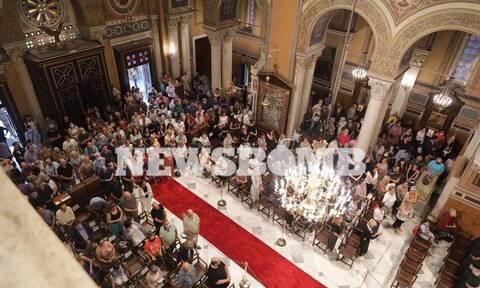 Θρήνος στις εκκλησίες ολόκληρης της Ελλάδας για την Αγιά Σοφιά (pics)