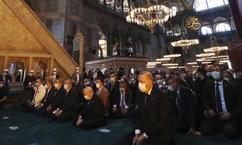 Αγιά Σοφιά: Πλημμύρισε με ισλαμικό φανατισμό μετά τη βεβήλωση - Ανοιχτή όλο το 24ώρο