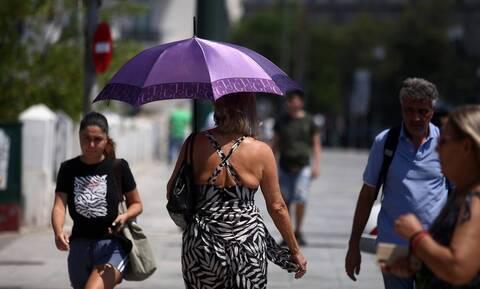 Καιρός: Ζέστη και τοπικές βροχές την Κυριακή - Πού θα φτάσει ο υδράργυρος