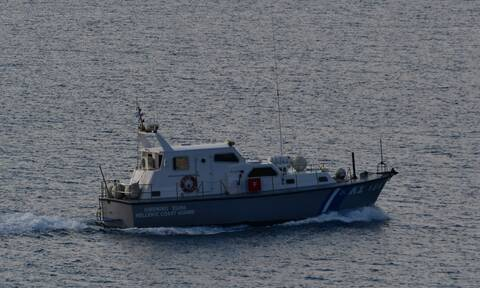 Sailboat disabled since Saturday sinks between Attica and Evia sea; passengers safe