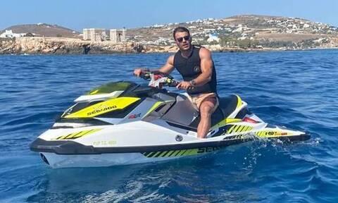 Γιώργος Αγγελόπουλος: Οι βόλτες με το jet ski στην Πάρο! (Video)