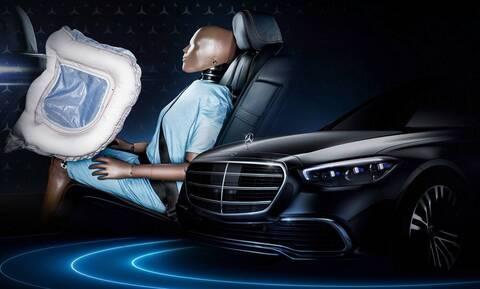 Mercedes S-Class: H καινοτομία που θα έχει με τους αερόσακους για τους πίσω επιβάτες;