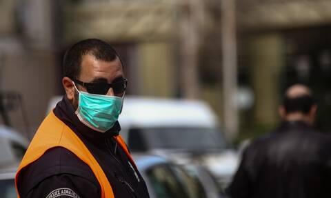 Κορονοϊός: «Κρούουν» τον κώδωνα του κινδύνου οι ειδικοί για τα αστικά κέντρα