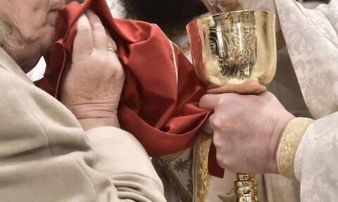 Εορδαία: Ξαναχτύπησε ο ιερέας – Μετά τα καρναβάλια, η παγκόσμια δικτατορία του Αντίχριστου