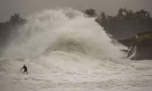Χαβάη: Περιμένοντας τον τυφώνα Douglas (pics)