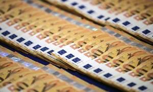 Евро превысил отметку в 84 рубля впервые с 22 апреля