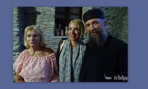 Μενεγάκη: H επίσκεψη σε μοναστήρι της Άνδρου με τον Ματέο και τη μητέρα της