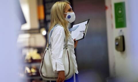 Κορονοϊός: Υποχρεωτική χρήση μάσκας και σε άλλους κλειστούς χώρους - Τι θα ανακοινώσει ο Χαρδαλιάς