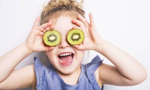 Βάλτε ακτινίδιο στο smoothie του παιδιού σας για γερό ανοσοποιητικό