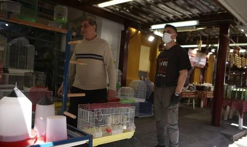Κορονοϊός: Υποχρεωτική χρήση μάσκας σε καταστήματα τροφίμων, ΔΕΚΟ και τράπεζες