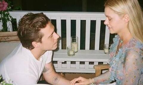 Μπρούκλιν Μπέκαμ: Ο γιος του Ντέϊβιντ γονατίζει μπροστά στην κοπέλα του με δαχτυλίδι 350.000 λιρών
