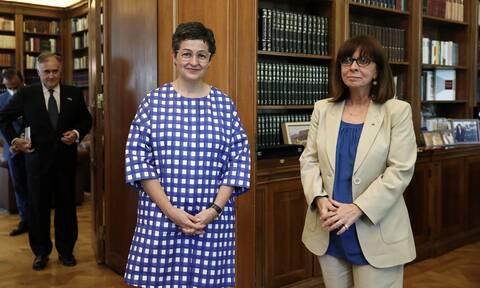 Συνάντηση Σακελλαροπούλου με Ισπανίδα ΥΠΕΞ: Στο επίκεντρο κορονοϊός και Τουρκία