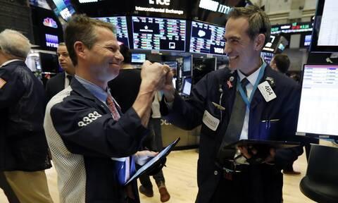 H FED έφερε κέρδη στη Wall Street - Άνοδος στις τιμές του πετρελαίου