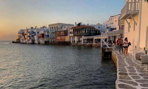 Κορονοϊός - Μύκονος: Έφοδοι της αστυνομίας σε κέντρα διασκέδασης