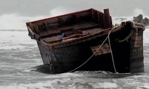 Θρίλερ: Ξεβράστηκαν σε παραλία βάρκες με πτώματα