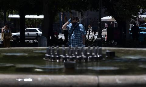Καιρός: «Καμίνι» η χώρα - Πότε θα κορυφωθεί το κύμα ζέστης
