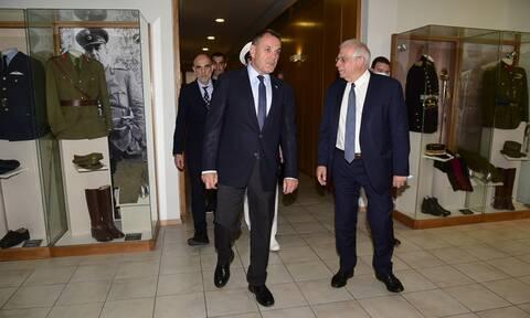 ΥΕΘΑ: Κατηγορηματική διάψευση για αγορά τουρκικών drones από τον Ελληνικό Στρατό